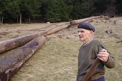 Papi (1) (julien.arbez) Tags: grandpère julienarbez parcnaturelregionalduhautjura ambiances bois faune montagne nature papi photographe sapi sauvage