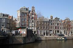 Amsterdam2014_137 (schulzharri) Tags: holland niederlande netherlands europa europe travel reise water gracht amsterdam wasser city stadt boot fluss gebäude himmel fenster architektur