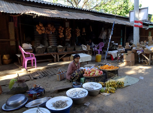 Selling fish at the Mani Sithu market in Nyaung U, Myanmar