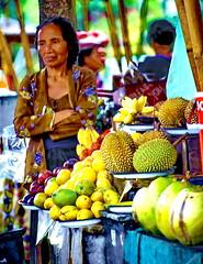 Bali Steet Vendor (gerard eder) Tags: world travel reise viajes asia southeastasia indonesia bali street streetlife streetart streetmarket markt market people peopleoftheworld fruits frutas früchte obst tropicalisland outdoor