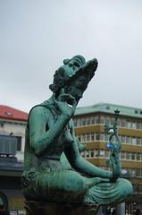 Asia (rotabaga) Tags: sverige sweden göteborg gothenburg järntorget sculpture pentax k5
