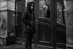 17drb0388 (dmitryzhkov) Tags: urban outdoor life human social public stranger photojournalism candid street dmitryryzhkov moscow russia streetphotography people bw blackandwhite monochrome