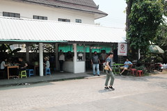 1195 (Pseudophotogenic) Tags: fujifilm xt1 xf23mmf14r travel chiangmai thailand streetphotography streetfood tropical asia finnsabroad