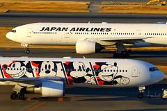 JAL's world... (Manuel Negrerie) Tags: mickey hanedakuko japanairlines ja602j b777 boeing767336er b767300 livery disney spotting scenery scheme aviation japan planes cartoons canon sunset airport jetliner airliner