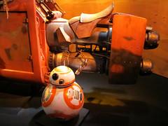 BB-8 (Vicki LW) Tags: disneyland starwars bb8 droid 7dos movies colourful thursday cmwd orange