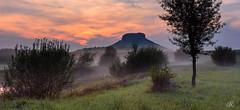 The end of a rainy day in Saxon Switzerland (Uwe Kögler) Tags: saxony sachsen sächsischeschweiz elbsandsteingebirge elbe landscape landschaft lilienstein hörnelteich nebel nebelstimmung fog misty evening abend abendrot wiese
