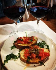 Bruschetta and Wine to start the meal Bio Solaire, Milano, Italia From our September 2018 trip to see family and attend the SRN Conference. #milan #milano #italy #italia #travel #food #drink #ristorante (dewelch) Tags: ifttt instagram bruschetta wine start meal bio solaire milano italia from our september 2018 trip see family attend srn conference milan italy travel food drink ristorante