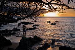 a little maui romance (GQ66) Tags: cove kam1 kehei maui sunset pentax k5 hawaii beach headlands silhouette pacific kamaole couple kiss romance