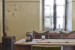 URBEX - Villa dell'Allenatore (delphinevacelet) Tags: urbex urbexexplorer urbexexploration exploration cuisine vieux old passé past lost lostplace abandonné abandoned abîmé oublié forgotten kitchen vintage decay villa