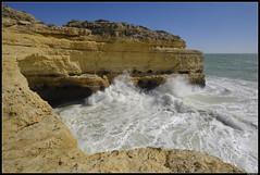 Benagil #1 (LilFr38) Tags: lilfr38 fujifilmxpro2 fujifilmfujinonxf1024mmf4rlmois algarve portugal praiadarocha beach ocean sand wave cliff rock plage océan sable vague rocher falaise