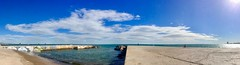 """Horizonte"" (atempviatja) Tags: mar cielo nubes horizonte azul paseo marino maritimo borde barcelona bogatell"