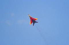 Berlin ILA 2002 MIG-29 Bundeswehr 28+20 Sonderlackierung (rieblinga) Tags: berlin sxf schönefeld ila 2002 luftwaffe bundeswehr deutschland mig29 sonderlackierung vorflug analog canon eos 1v kodak ebk 100 e6 diafilm 2820