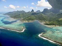 Moorea (JPL Air Born) Tags: aerien avion avions c3p nature paysages polynesiefrançaise ppl polynésie polynesia tahiti moorea blue bleu flying voler pilot pilote paysage aerial aérien