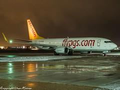 Pegasus Airlines TC-CPE HAJ at Night (U. Heinze) Tags: aircraft airlines airways airplane flugzeug plane planespotting night nightshot olympus haj hannoverlangenhagenairporthaj eddv