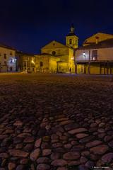 Plaza del grano (AvideCai) Tags: avidecai tamron2470 vertical león nocturna plaza