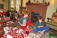 christmasbumm (FAIRFIELDFAMILY) Tags: christmas 2018 jason taylor grant carson michelle winnsboro sc south carolina present presents family living room house interior arts crafts craftsman bungalow antique fireplace rug lego legos child boy young old children boys mother son fairfield county vintage tree morris chair oak mantle piece