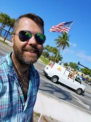 USA Selfie (Toni Kaarttinen) Tags: usa unitedstates florida wpb america miami miamidade wall graffiti stencil streetart art flag man guy beard hairy scruff