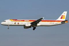 EC-JQZ 10082012 (Tristar1011) Tags: ebbr bru brusselsairport iberia airbus a321200 321 ecjqz generalife