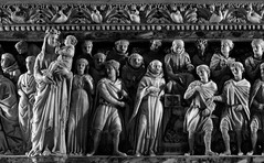 Ark of Saint Dominic (Alfredo Liverani) Tags: thursdaymonochrome thursday monochrome tm 7dwftm canong5x canon g5x pointandshoot point shoot ps flickrdigital flickr digital camera cameras italia italy italien italie emiliaromagna emilia bologna bononia bologna2015