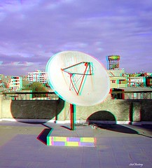 09_anaglyph_dub_tx_PC270053 (said.bustany) Tags: 2008 cairo december dezember 3d stereo antenne dach anaglyph redcyan