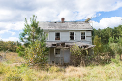 Abandoned house, vicinity La Plata, Maryland, October, 2018 (in Explore) (adamkmyers) Tags: oncewashome abandoned abandonedhouse laplata maryland