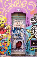 Doors of Marseille No. 7 (TablinumCarlson) Tags: europa europe frankreich france marseille sud südfrankreich bouchesdurhône provencealpescôte d'azur provence côte golfe du lion leurope méditerranée mediterranean mittelmeer leica tür door gate eingang portal entry street photography plaine la grafitti streetart mural m240 summicron m 28mm pink purple rosa flieder