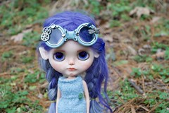 Cloudy Day Photo Shoot (Chassy Cat) Tags: freckles smirk simply guava blythe simplyguava weepingbeauty alpaca scalp reroot fantasy hair chassycat customized custom doll