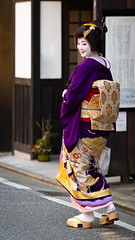 Hatsuyori (byzanceblue) Tags: kyoto maiko geisha geiko kagai japan japanese woman girl female beauty cute beautiful 京都 kimono gion dance lovely 舞妓 舞踊 traditional kanzashi formal tama 祇園 black 花街 white color colour flower nikkor background people photo portrait professional lady lovery 芸妓 着物 bokeh red traditonal summer natural 祇園甲部 祇をん ぎをん fresh shadow 黒紋付 shirt 多麻 d850 kotohajime nishimura mikako charming january hatsuyori 初寄り