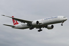 TC-LKB | Boeing 777-36NER | Turkish Airlines (cv880m) Tags: egll lhr london heathrow gb uk england aviation airliner airline aircraft airplane jetliner airport tclkb boeing 777 773 777300 77736n turkish turkishairlines thy turkhavayollari triple7 tripleseven turkey
