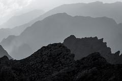 Mallorca - Serra de Tramuntana (Rafael Zenon Wagner) Tags: berg fels formen ebenen schatten licht mallorca spanien mountain rock shapes layers shade light majorca spain 200mm sw bw