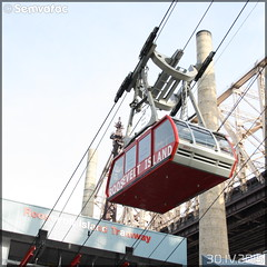 Poma  - MTA (Metropolitan Transportation Authority) (Semvatac) Tags: semvatac photo bus tramway métro transportencommun poma mta metropolitantransportationauthority rooseveltislandtramway westmainstreet rooseveltisland newyork étatsunis