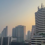 Hazy morning in Bangkok thumbnail