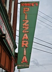 Vinnie's Pizzaria, Concord, NH (Robby Virus) Tags: concord newhampshire nh vinnies pizzaria pizza neon sign signage food restaurant pizzeria grinders hoagies italian