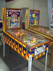 MI Kalamazoo - World Beauties (scottamus) Tags: pinball machine game table arcade cabinet woodrail old vintage antique kalamazoo michigan pinballatthezoo worldbeauties gottlieb 1959