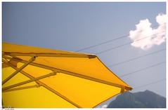 Sommertag / summer day (Reto Previtali) Tags: sommer summer yellow outside switzerland sky cloud blue blau ferien berge mounten nikon nikkor tamron sigma flickr digital lifystile
