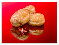 Doughnuts day two. (c) (johnhjic) Tags: doughnuts jam johnhjic flash yorkshire studio suger sweet reflection red colour color food treats f10