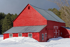 Red Barn (fotofish64) Tags: barn red redbarn color vividcolor rustic building architecture window roof winter snow rural hamlet wells adirondackpark adirondacks southernadirondacks northernnewyork newyork outdoor overcast pentax pentaxart kp kmount smcpentaxda50135mmf28lens dwwg