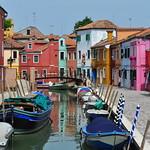 Les maisons de la fondamenta Terranova, Burano, lagune de Venise, Vénétie, Italie. thumbnail