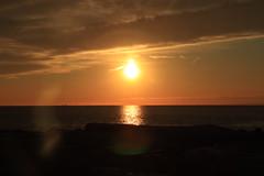 Flare (Bambolina.Barracuda5989) Tags: sunset sun flare canon recco sea mare tramonto rainbow