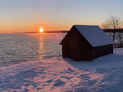 Sunset at 15 Below (rbodgers) Tags: goldenhour ice gradient cabin snow frozen sunset lake lakesuperior shotoniphone