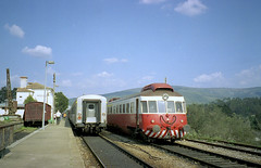 CP 0300, Serpins, March 1998 (filhodaCP) Tags: cp cp0300 allan comboiosdeportugal caminhodeferro ferroviário portugalrailway portugalrailways portugaltrains ramaldalousã railcar automotora diesel dmu