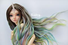 DSC_2096 (sonya_wig) Tags: fairytreewigs wig bjdwig minifeewig bjd bjdminifee minifeechloe handmadedoll bjddoll dollphoto fairyland fairylandminifee minifee chloe bjdphotographycoloringhair unicorn