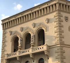 Saarbrücken (micky the pixel) Tags: architektur gebäude balkon skulptur europagalerie steinmetzarbeit saarbrücken saarland deutschland germany bergmann sculture einkaufszentrum shoppingcenter