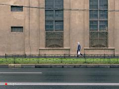 Walking by (tripklik) Tags: sanpetersburgo saintpetersburg rusia russia