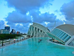 Blue Evening (Susannaphotographer) Tags: blue blu valencia spain spagna sightsee azzurro architecture cielo sky acqua water
