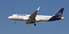 Lufthansa / Airbus A320-214 / D-AIWC (vic_206) Tags: lufthansa airbusa320214 daiwc bcn lebl