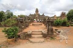 Angkor_Bakong_2014_06