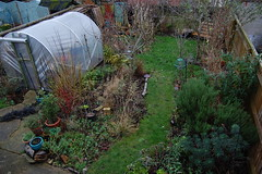 Looking Down on the Back Garden - December 2018 (basswulf) Tags: d40 1855mmf3556g lenstagged unmodified 32 image:ratio=32 permissions:licence=c 20181221 201812 3008x2000 lookingdownonthegarden garden normcres oxford england uk backgarden polytunnel
