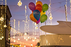 . (raffaella.rinaldi) Tags: lights landscape sunset colors christmas piano balloons cesenatico italy lightness