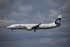 N435AS Boeing 737-990ER Alaska Airlines (corkspotter / Paul Daly) Tags: n435as boeing 737990er w b739 43292 4668 l2j dhfl a535c2 asa as alaska airlines 2013 20131109 klax lax los angeles